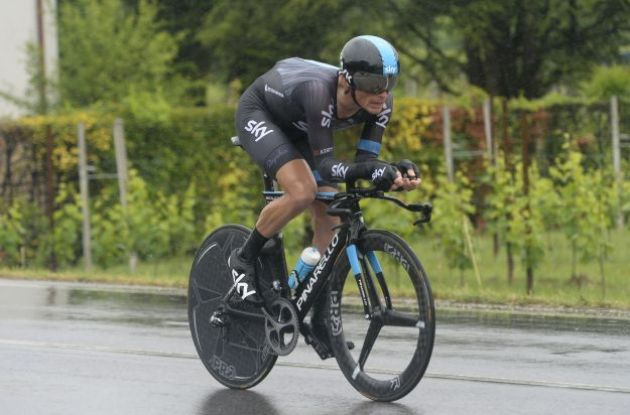Team-Sky-Pro-Cycling-Vasil-Kiryienka-time-trial-stage-14-winner-Giro-d-Italia-2015_0