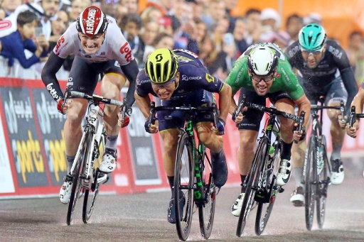 Caleb-Ewan-Mark-Cavendish-Andre-Greipel-sprint-aero-tuck-Abu-Dhabi-Tour-2017-pic-RCS-Sport