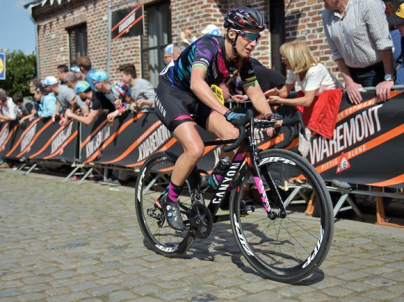 Canyon-Aeroad-CF-SLX_Canyon-SRAM-womens-cycling-team_french-champ-Pauline-Ferrand-Prevot_Kwaremont_photo-by-Velofocus (1)
